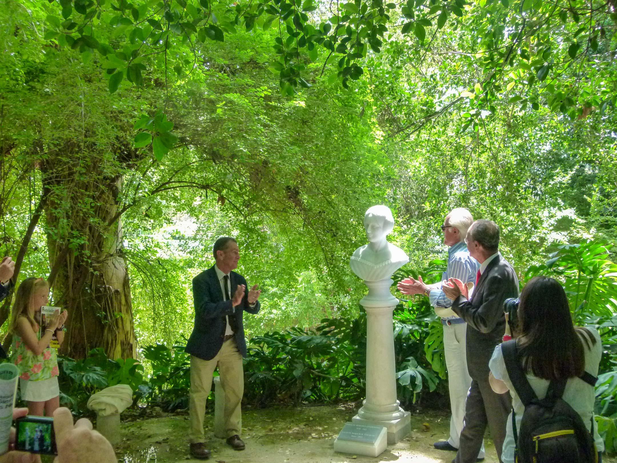 Acto de inauguración del Busto Dña. Amalia Heredia